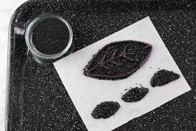 Adding Leaf Details   Erin Bakes Cake   Erin Gardner   Bluprint