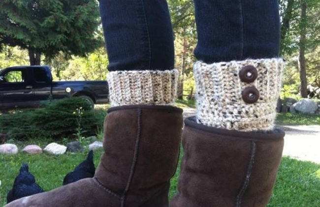 Fast and easy crochet boot cuff pattern
