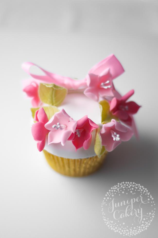 Cute floral crown cupcake tutorial