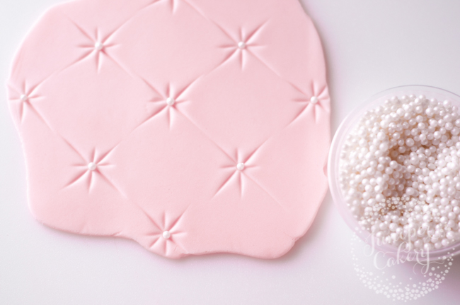 Learn how to quilt fondant the easy way