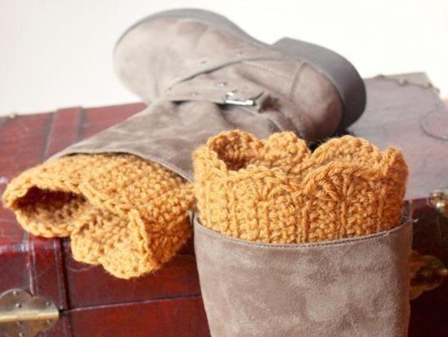 scalloped boot cuffs crochet pattern