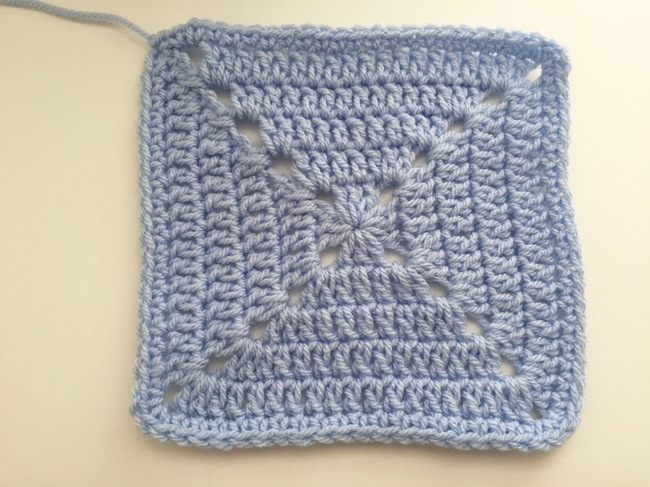 single crochet edging for solid granny square