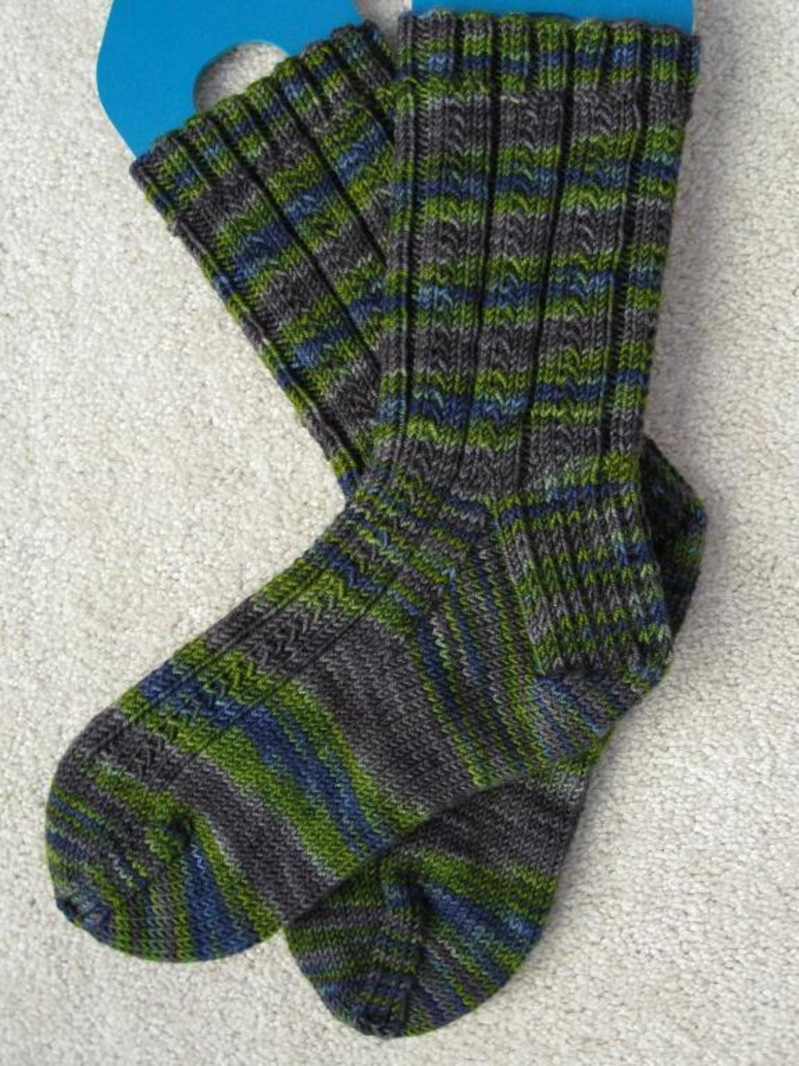 Simple Skyp Sock Knitting Pattern