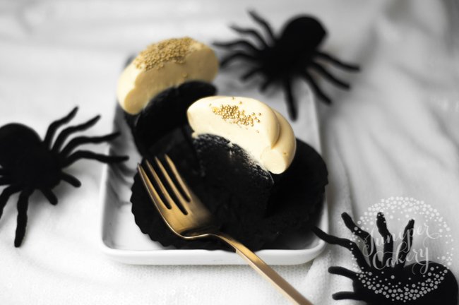 black velvet cupcake with halloween spiders