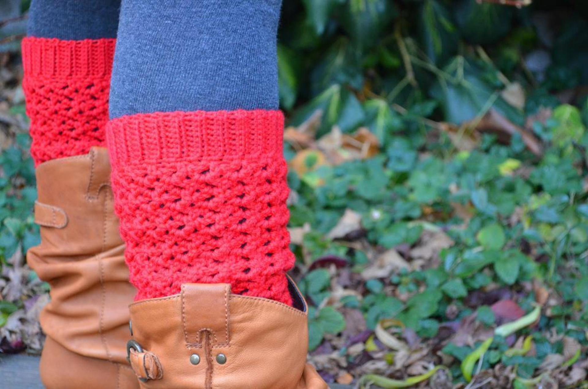 lacy leg warmers crochet pattern