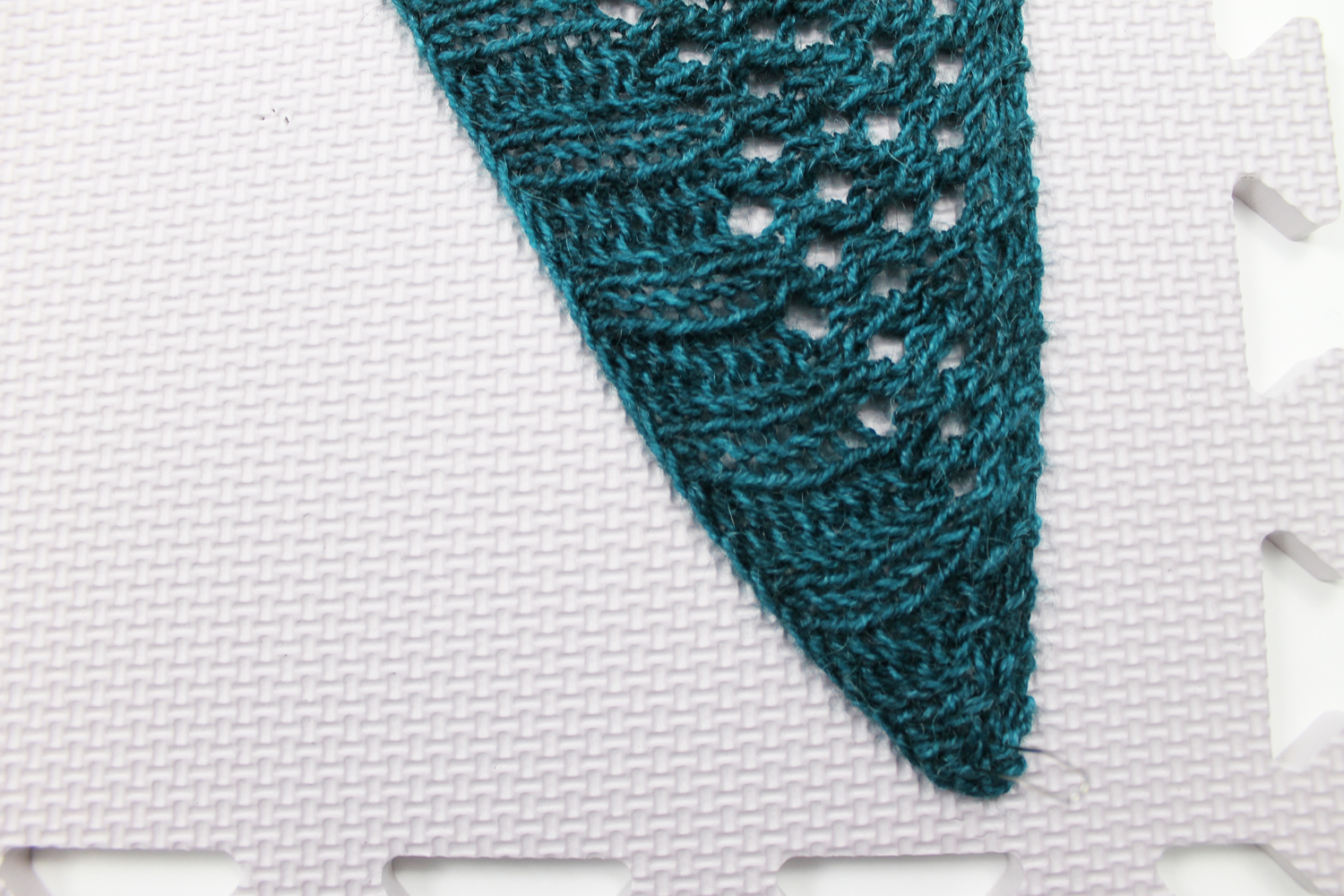 Pinning knit shawl corners