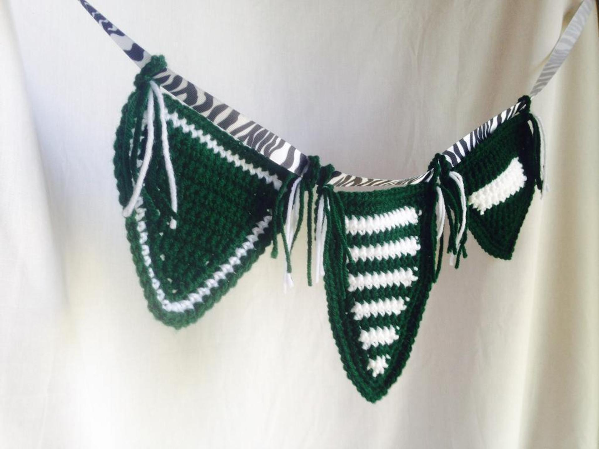 school spirit locker banner crochet pattern