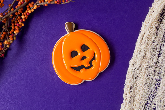 simple jack-o-lantern cookies with royal icing