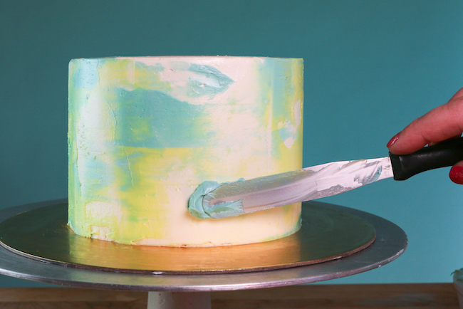 Adding Buttercream Smears | Erin Gardner