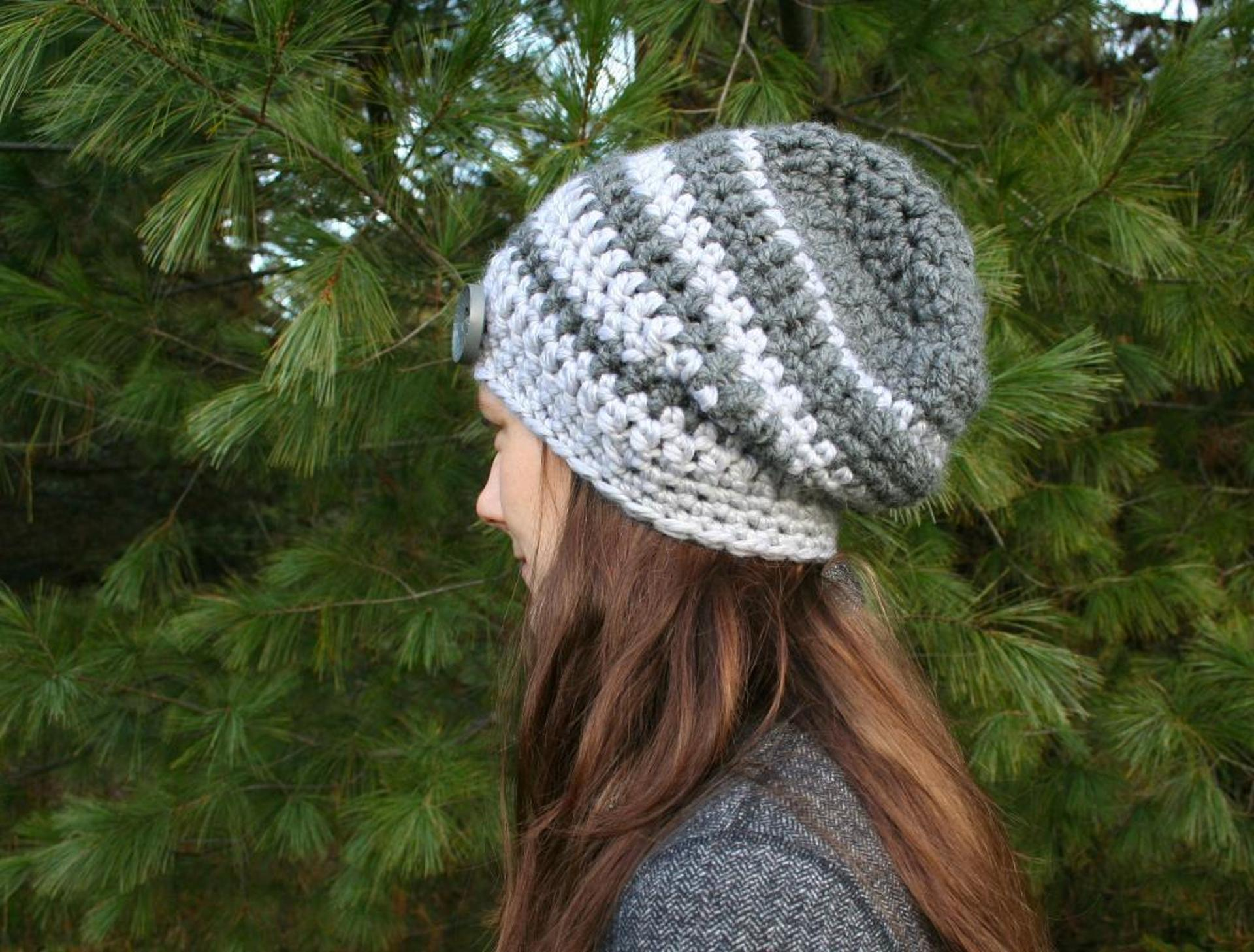 striped slouchy crochet hat pattern