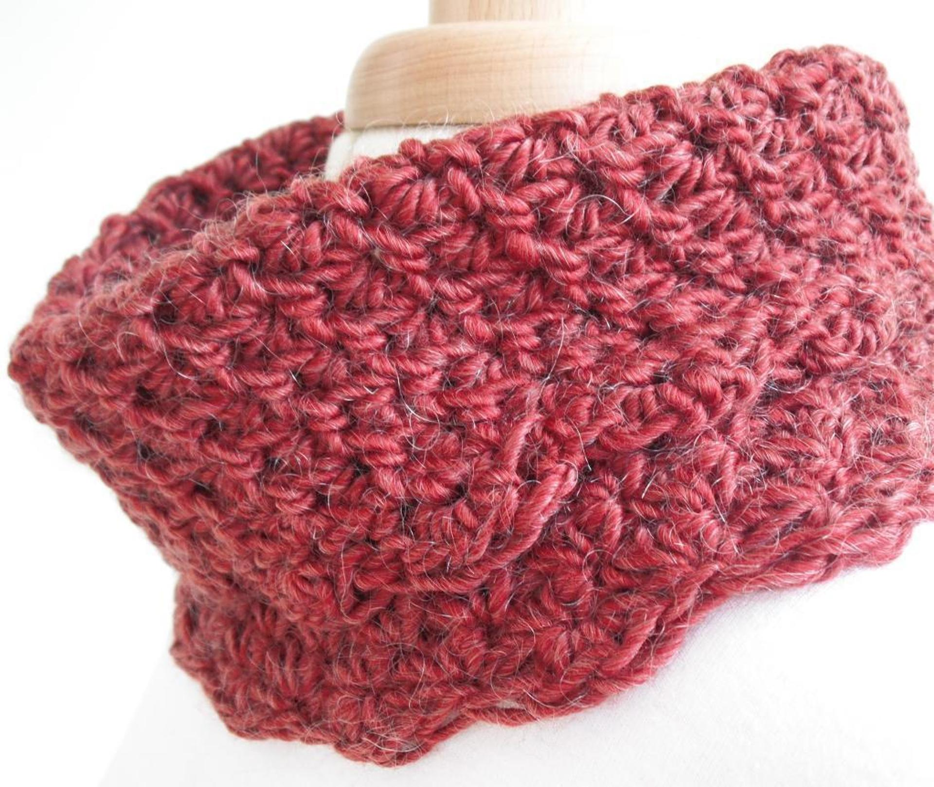 textured autumn cowl crochet pattern