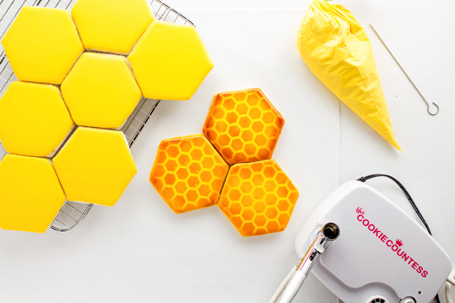 Easy Airbrushed Honeycomb Cookies