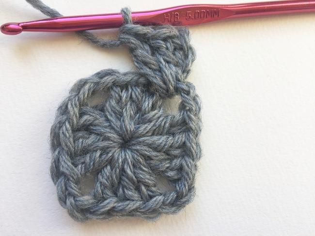 granny square crochet step 9