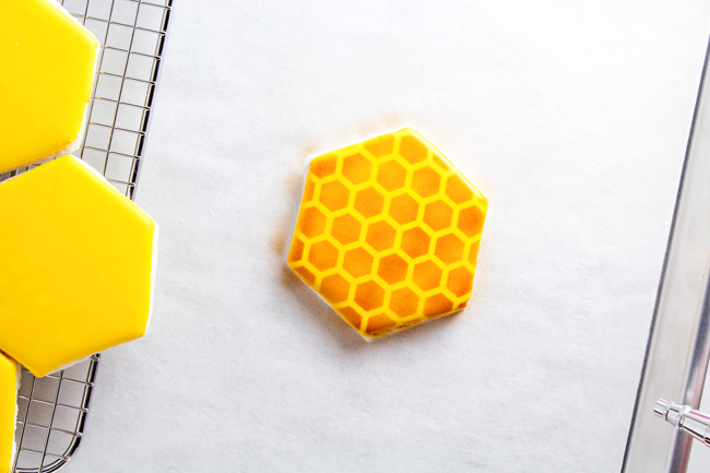 Simple Airbrushed Honeycomb Cookies