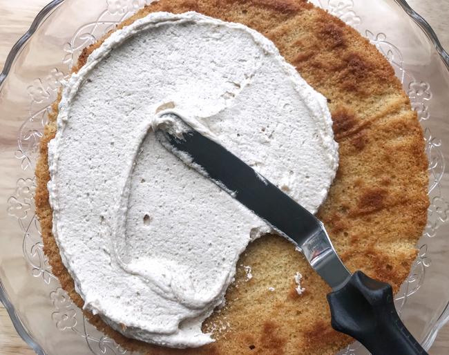spread buttercream