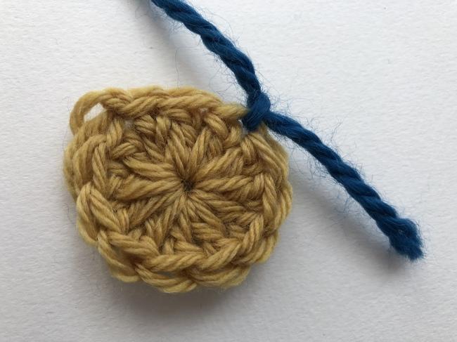 join yarn in crochet circle