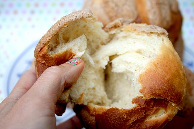 Tear open the pan dulce