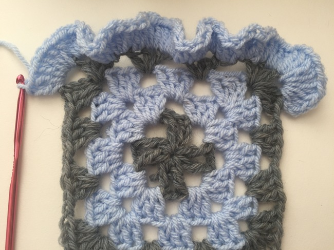 ruffled edging corner crochet