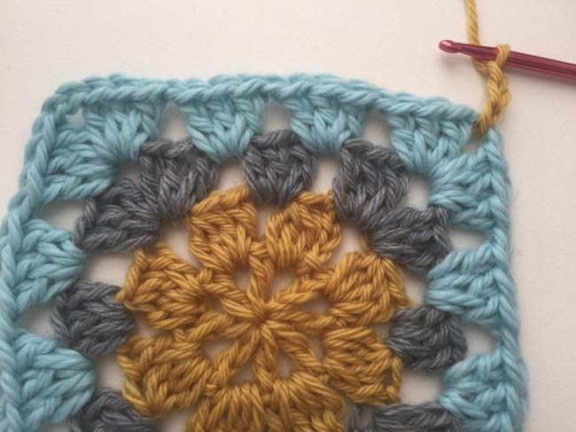 join yarn for shell stitch edging