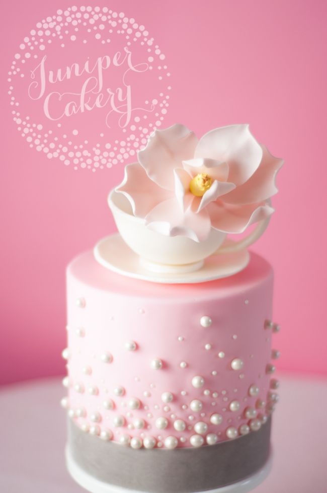 How to create a modern take on a vintage teacup cake