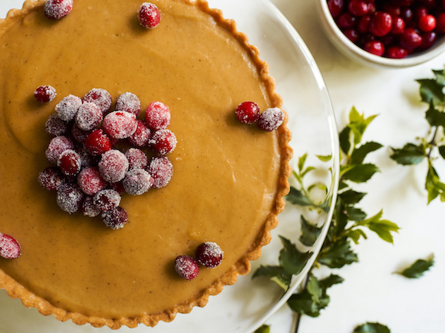 Gingerbread Cranberry Pie