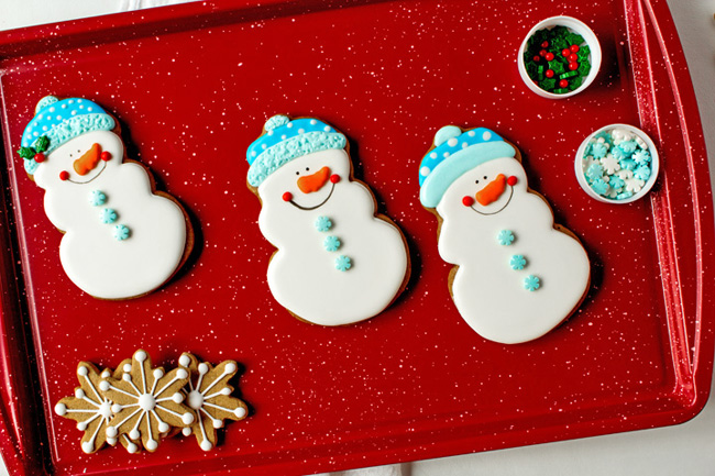 Cute Snowmen Cookie Decorating