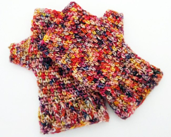 How to crochet a fingerless mitt Finished pair of mitts