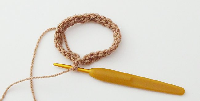 How to crochet fingerless mitts tutorialHow to crochet a fingerless mitt foundation hdc joined