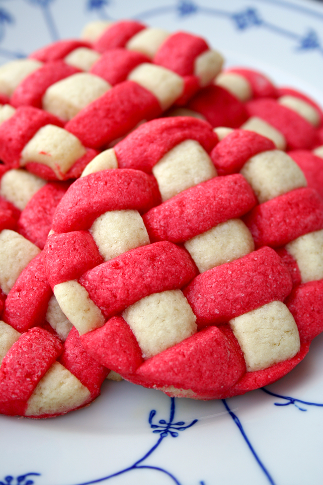 Basket weave sugar cookies