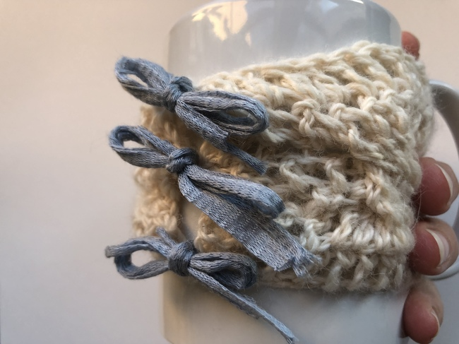 cabled crochet cup cozy pattern