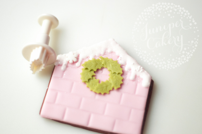 Gingerbread house cookie tutorial for Christmas