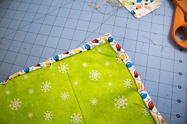 Pin binding around placemat