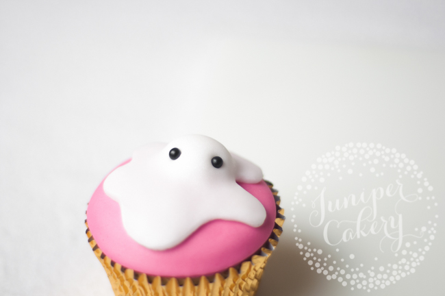 How to make melted snowmen cupcakes for Christmas parties
