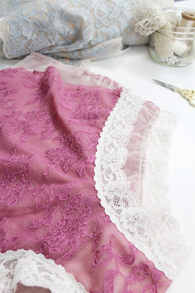 Sewing stretch lace trim