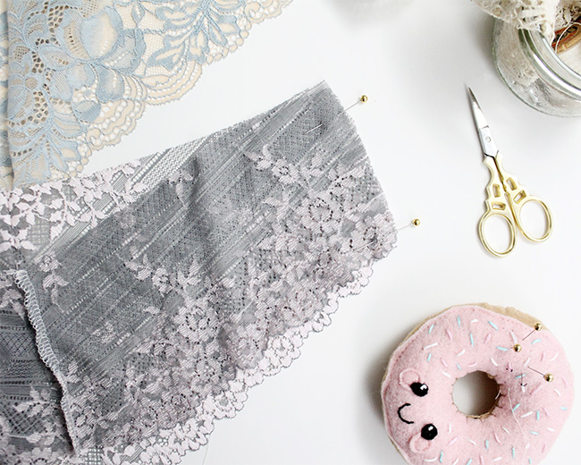 How to sew scalloped stretch lace seams