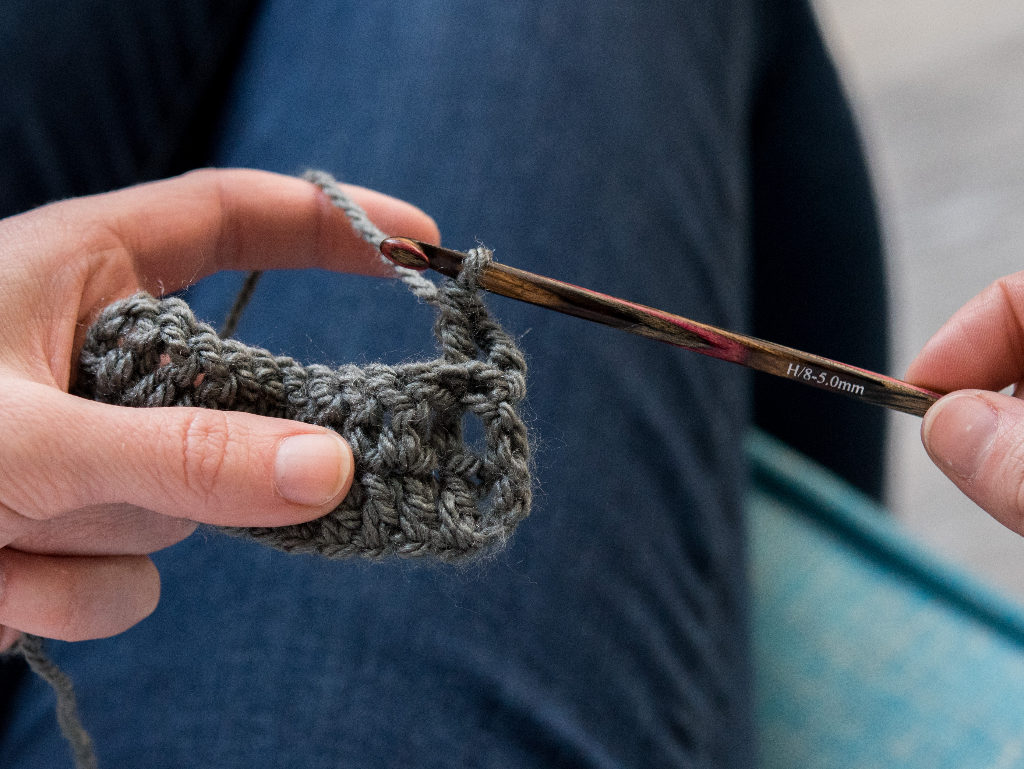 finishing a front post double crochet stitch