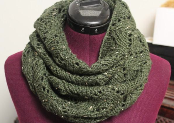 Lacy Arches Infinity Scarf, Knitting Pattern