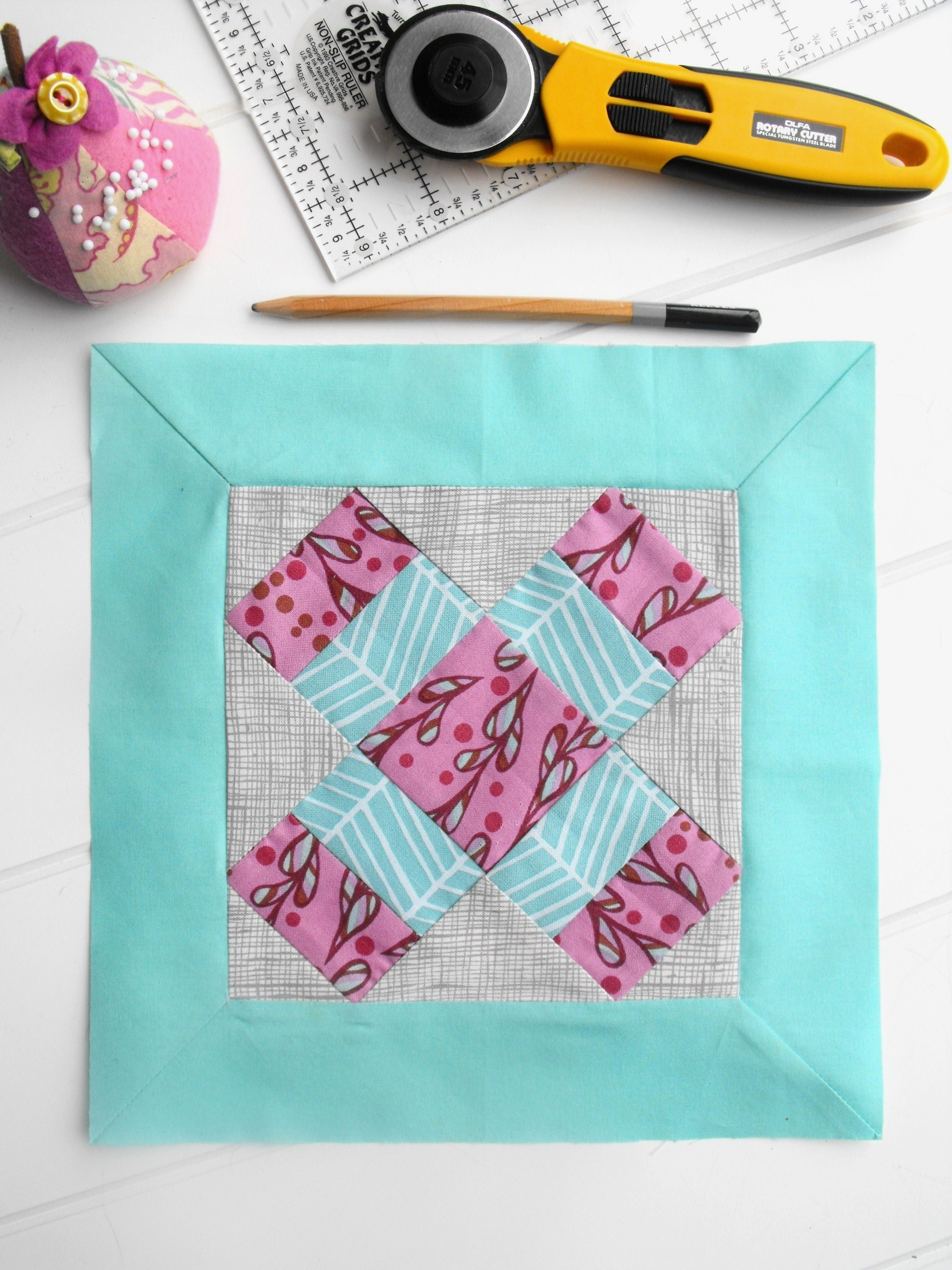 Learn how to sew mitered corners on a quilt border with this Bluprint tutorial