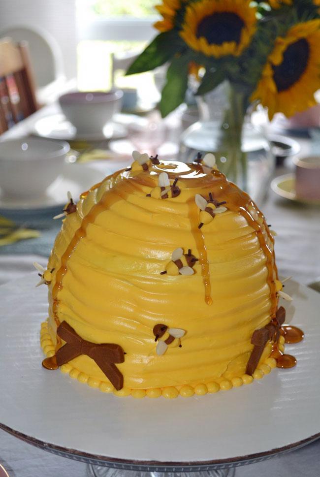 fun cakes beehive