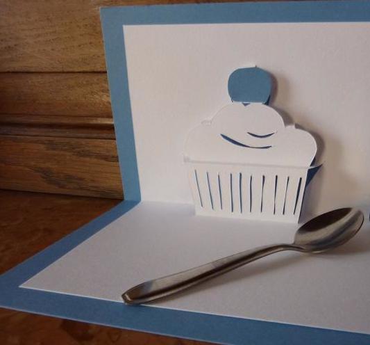 Kirigami Cupcake