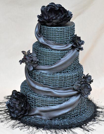 moody wedding cake