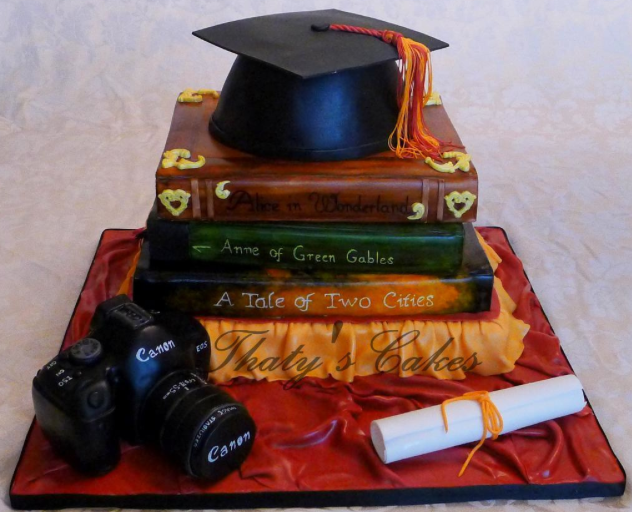 grad cap cake
