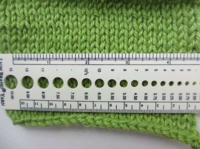 measuring gauge in knitting