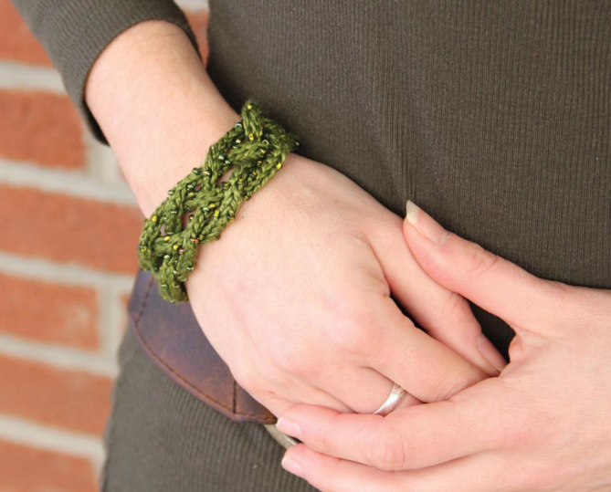 knitted jewelry