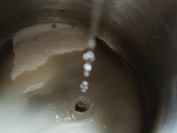 wet caramel