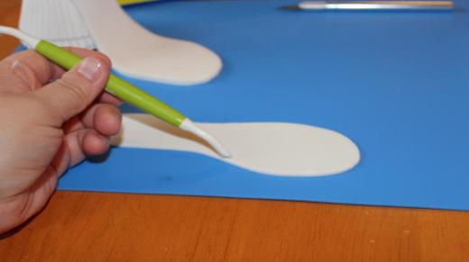 Creating Stitch Marks on Gum Paste Shoe