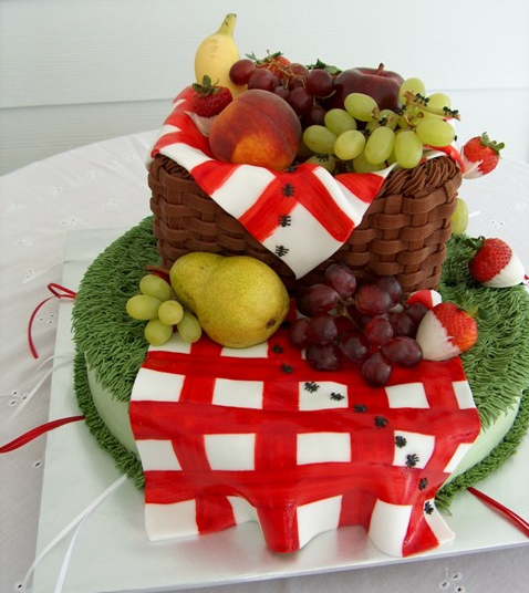 picnic basket cake with fondant fruit