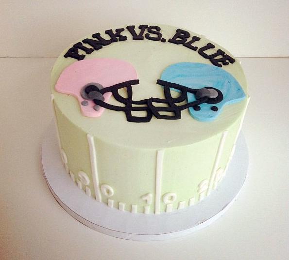 pink vs blue cake