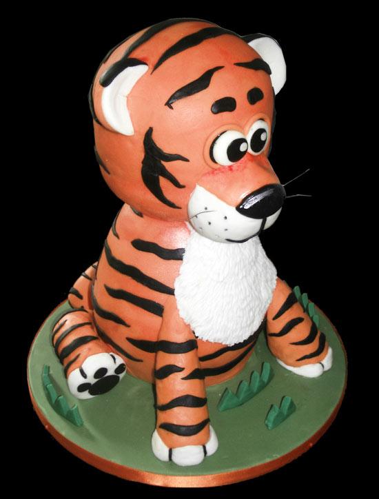 Sculpted Cartoon Tiger Cake