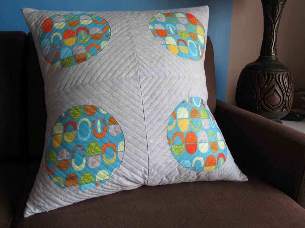 Circle Quilt Pillow